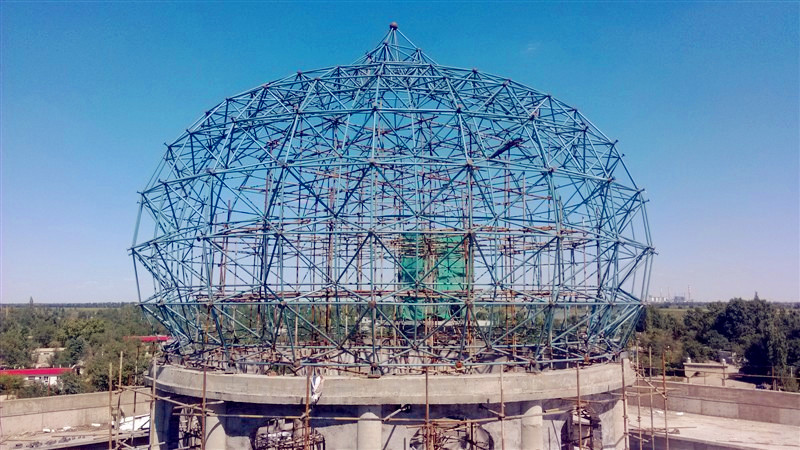 网架施工案例 新疆鲁泉钢结构工程有限公司